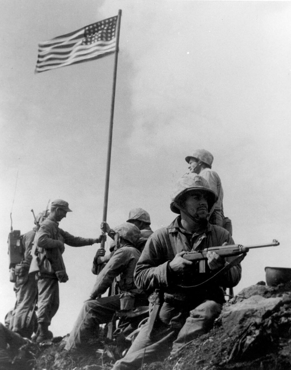 first flag raising on Iwo Jima